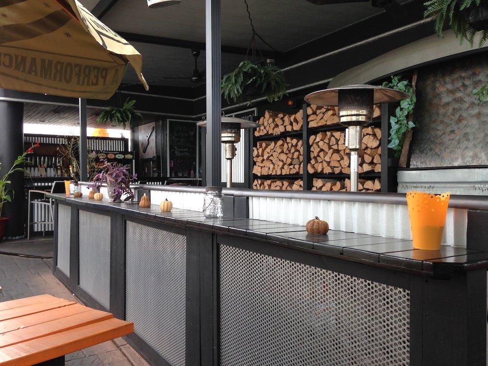 BurgerQue Outdoor Counter