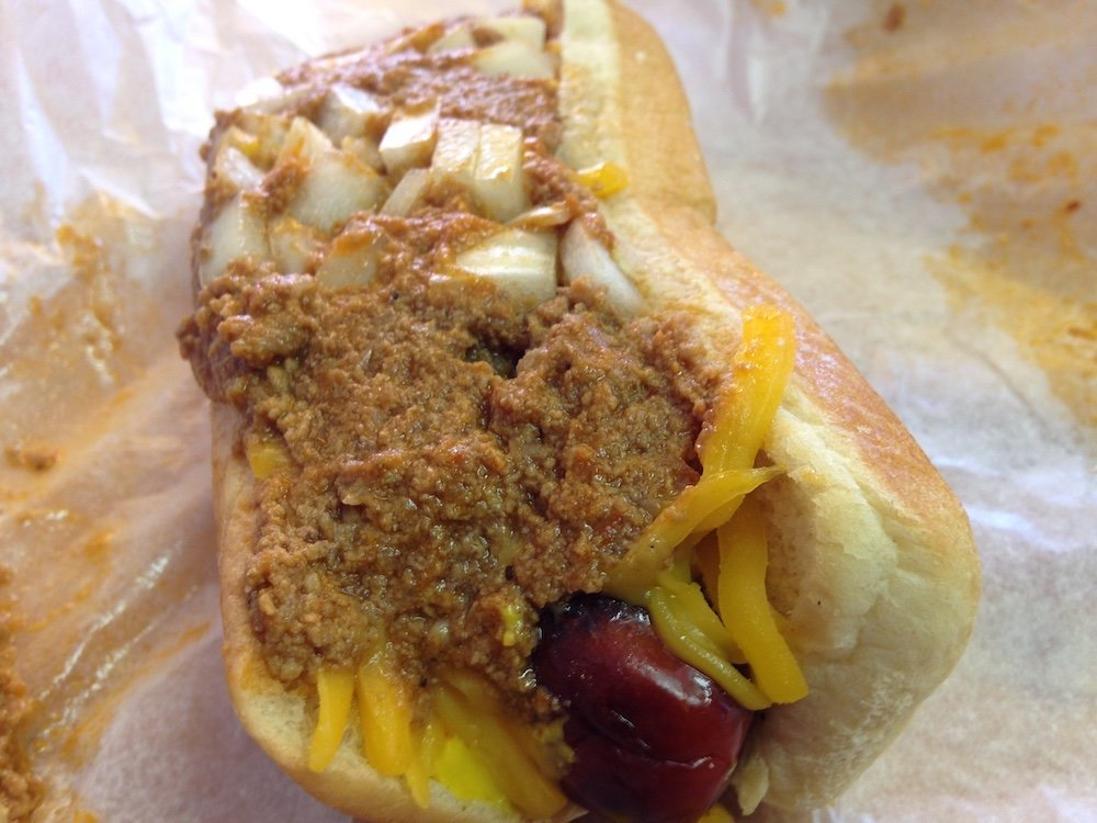 Schnapper's Hots Chargrilled Chili Cheese Dog