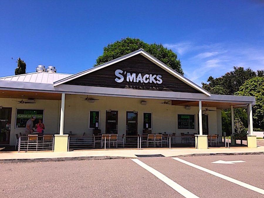 Smacks Burgers & Shakes Building
