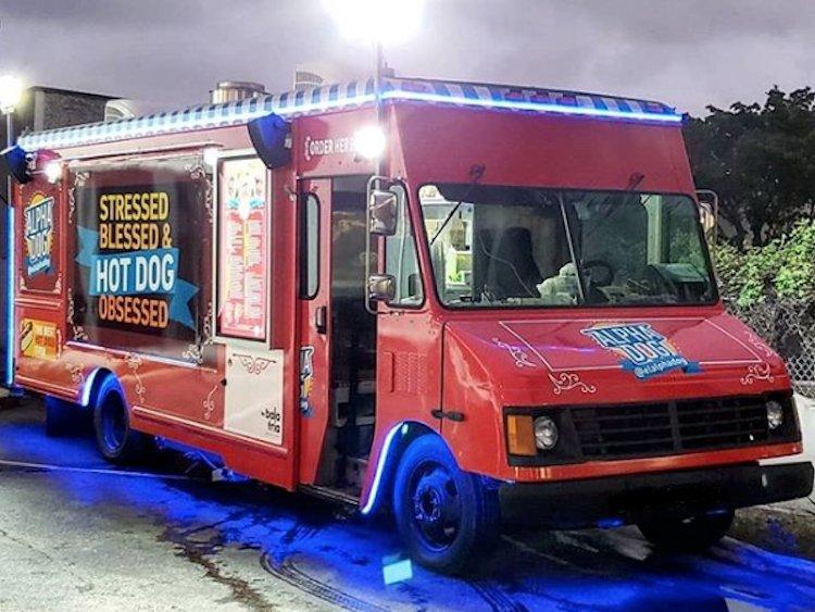 El Alpha Dog Food Truck by Cesar Gonzalez