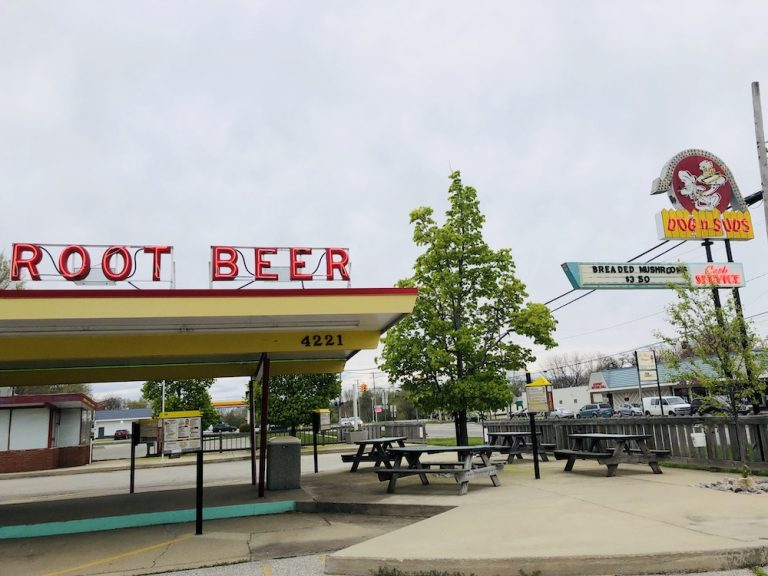 Dog 'n Suds History & A Visit to Muskegon, Michigan