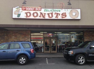 Fox's Donut Den in Nashville, Tennessee