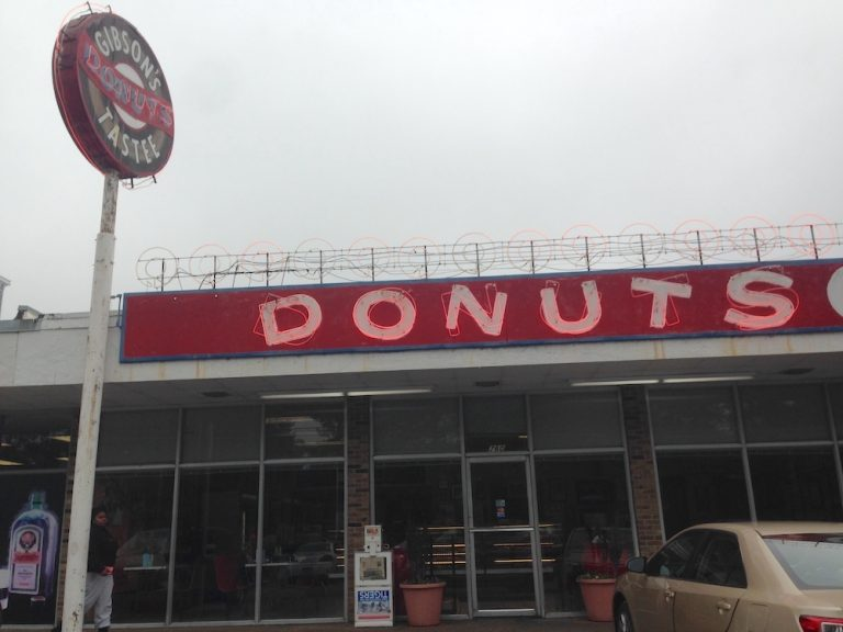 Memphis' Gibson's Donuts is Open 24 Hours