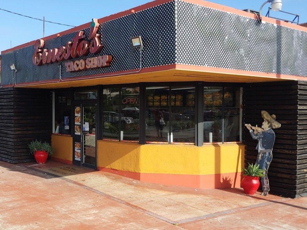 Ernesto's Taco Shop in Cutler Bay, a former Royal Castle building