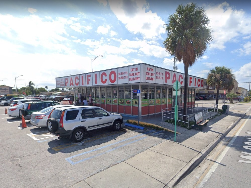 Pacifico Chinese in Hialeah, a former Royal Castle building
