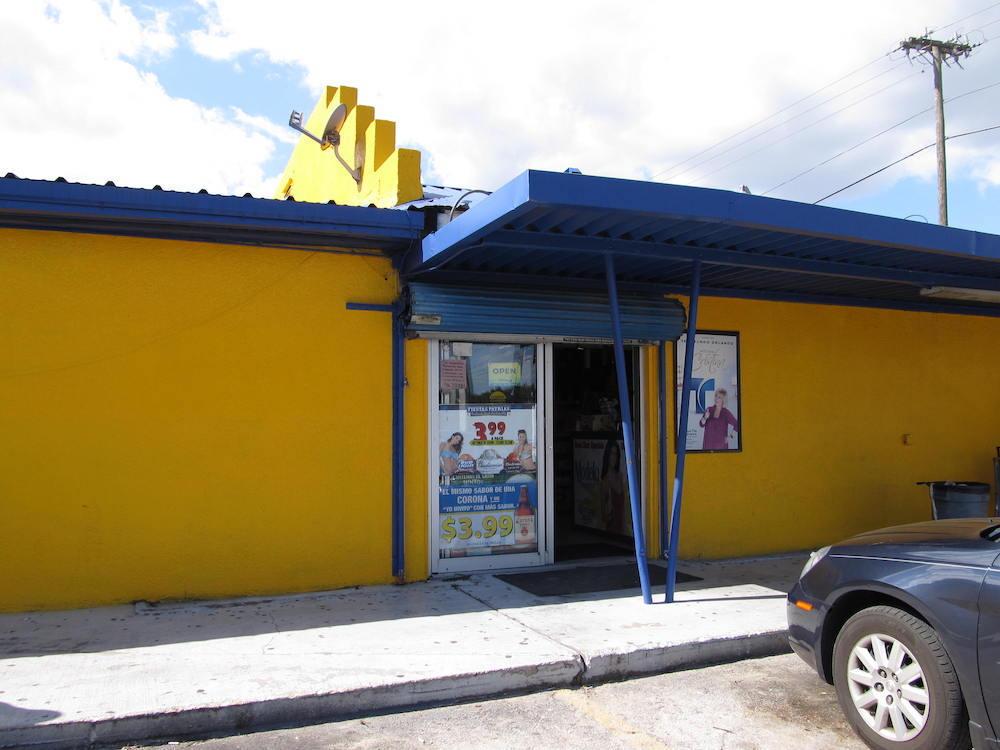 Entrance to La Parada in Apopka
