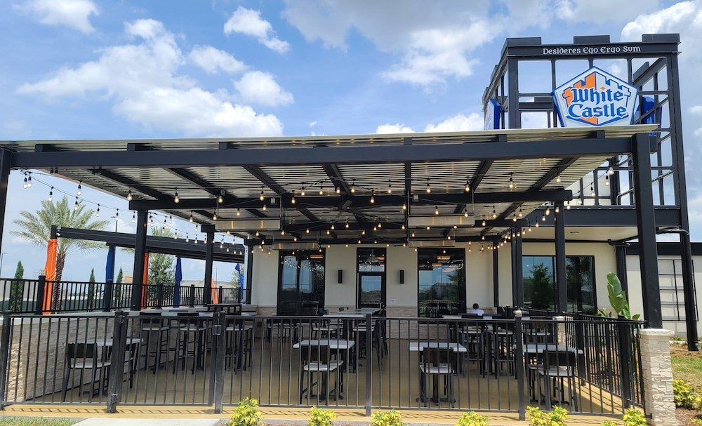 White Castle in Orlando Outdoor Seating Area